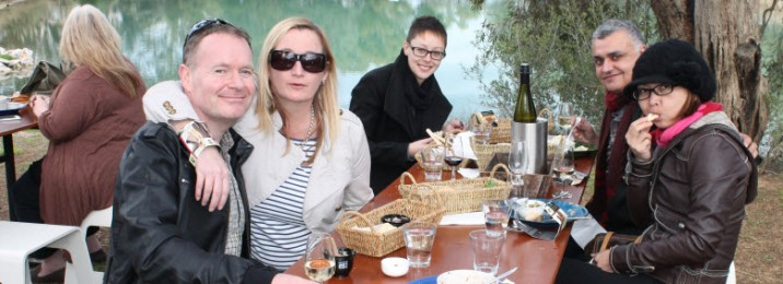 5 friends come together…and take a Barossa Wine Tour!